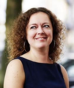 pasfoto Yvonne Prins